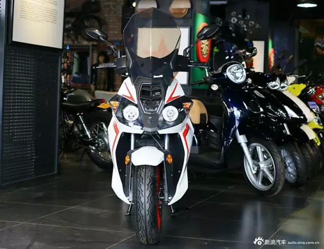 """大地betway必威betway必威必威betway体育官网摩托车 Benelli""""利刃""""BJ150T-10C静态全观"""